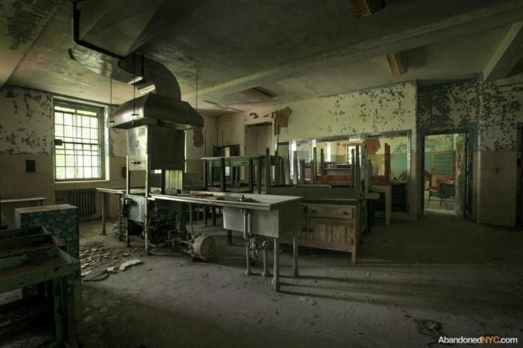 Inside Creedmoor State Hospital S Building 25 Abandonednyc