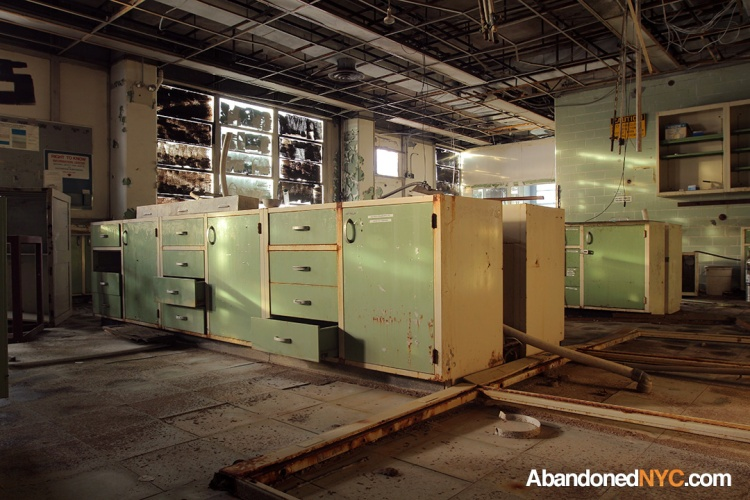 Green Storage Cabinets_Domino Sugar Refinery_3608_1080
