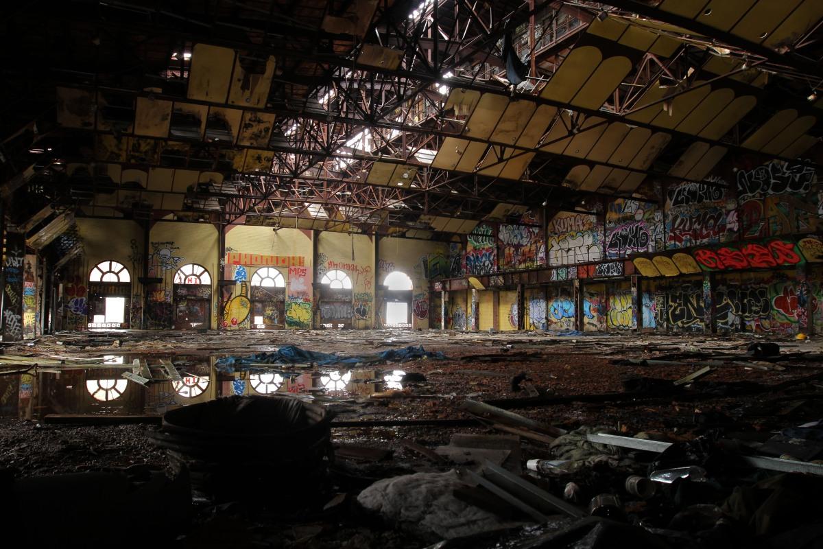 In Gowanus Batcave Teenage Dreams Live And Die on House Floor Plans With Bat