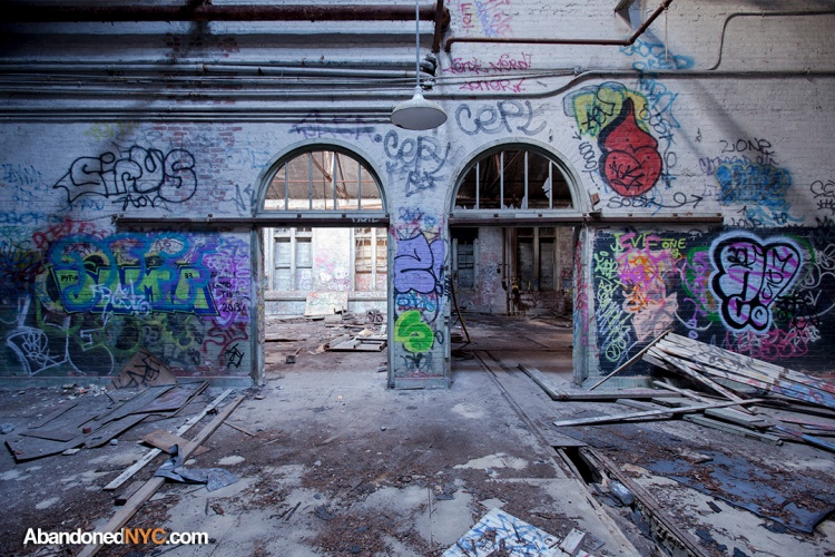 Cafeteria Graffiti_9704_1080
