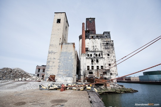 Abandoned NYC_Red Hook Grain Terminal_Will Ellis-001