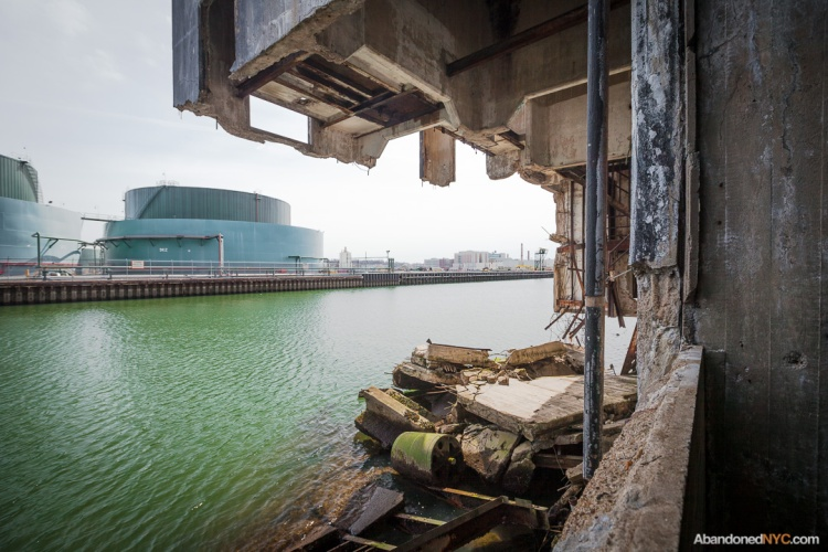 Abandoned NYC_Red Hook Grain Terminal_Will Ellis-004