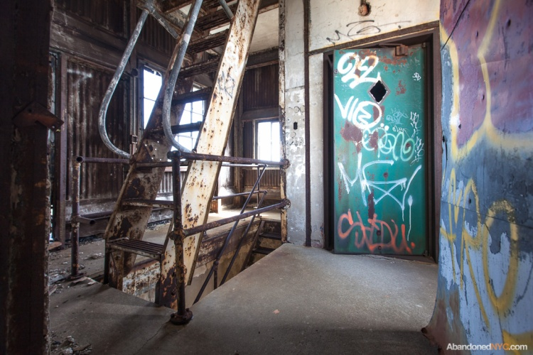 Abandoned NYC_Red Hook Grain Terminal_Will Ellis-013