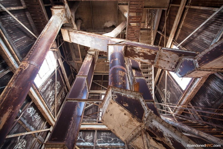 Abandoned NYC_Red Hook Grain Terminal_Will Ellis-015