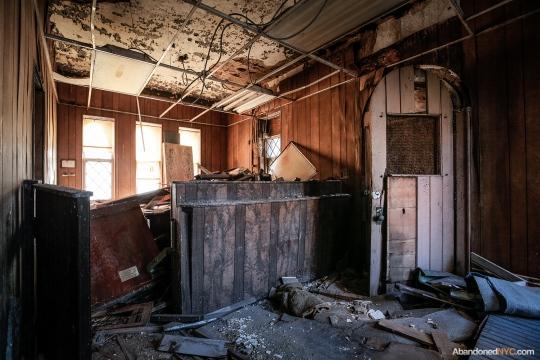AbandonedNYC_Queens_Machpelah Cemetery_Houdini_Grave-004