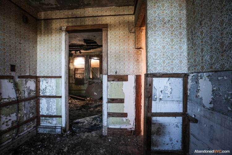 AbandonedNYC_Queens_Machpelah Cemetery_Houdini_Grave-009
