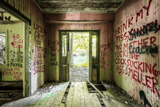 Will Ellis_Abandoned NYC_Profanity House-3