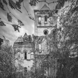"The ""Haunting"" of Wyndclyffe Mansion"