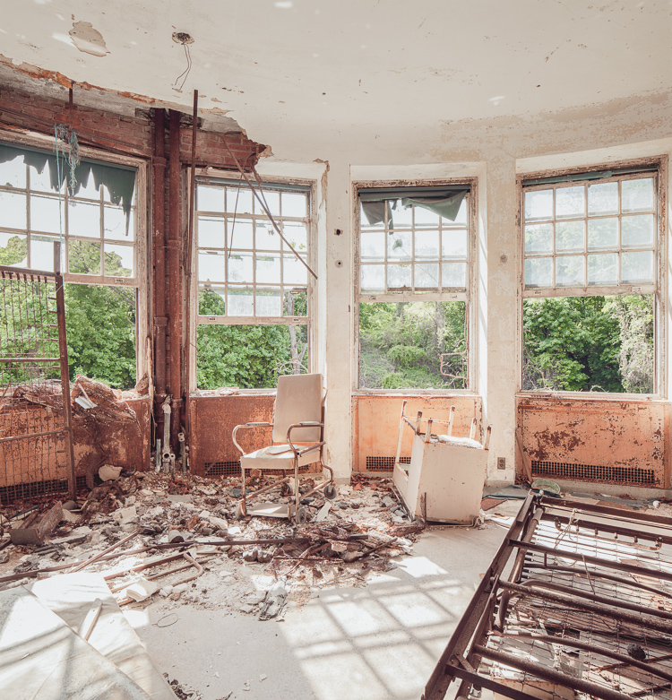 a history of the willowbrook state school and the halloren general hospital History and hauntings of willowbrook state school on staten island  were  converted to a united states army hospital named halloren general hospital.